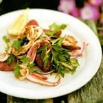вкусный салат с кальмарами