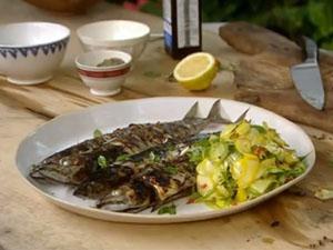 Как подать макрель с салатом из кабачков