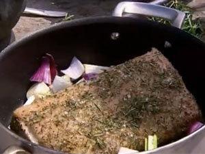 Свинина в форме для запекания в духовке