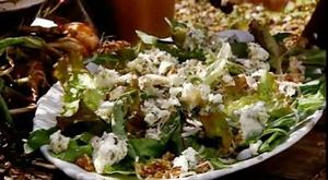 добавить в салат грецкие орехи