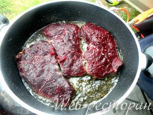 Мясо кита готовится