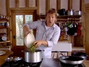 Джейми варит стручковую фасоль