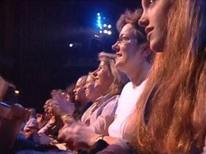 Зрители увлечены и веселы