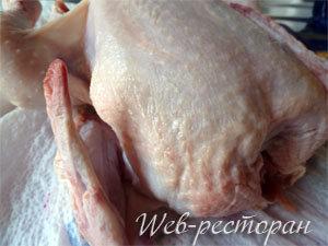 Курица подготовлена для запекания