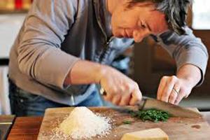 Оливер готовит