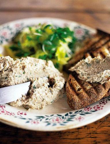 Пасхальные рецепты. Блюда из рыбы - рецепты паштета из скумбрии и салата