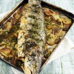Запеченный лосось в духовке целиком