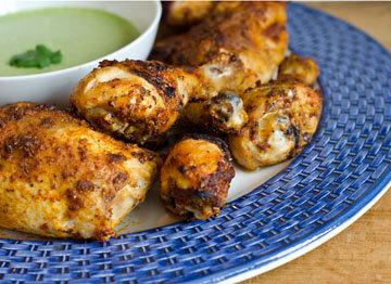 Подача блюда - курица по-французски