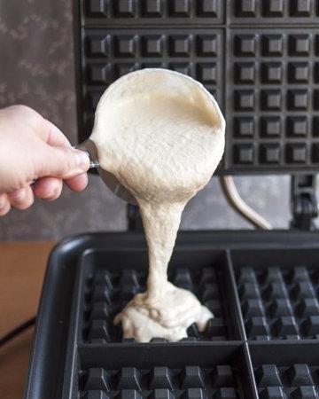 Вафли  готовить по инструкции