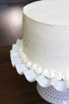 Торт покрыть кремом