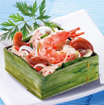 В 1 порции салата с фунчозой 668 ккал
