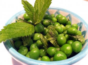 103 ккал на 1 порцию зеленого горошка в масле