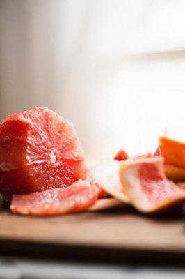 Очистить апельсины от кожуры