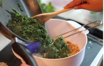 Приготовить шпинат