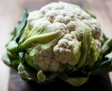 1 головка цветной капусты с листиками