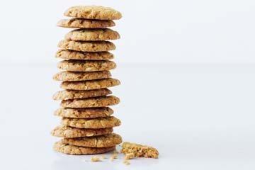 Рецепт печенья из овсяных хлопьев Анзак хоть и легендарный, но испечь печенье сможет каждый!