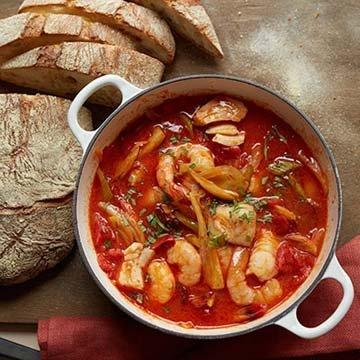 Суп из рыбы  по-испански