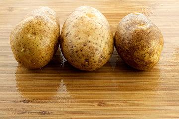 Картофель хорошо вымыть
