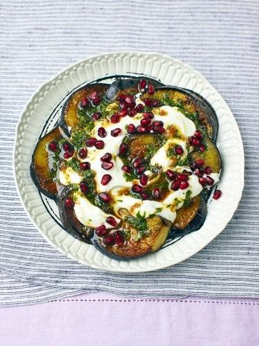 Как приготовить салат с баклажанами