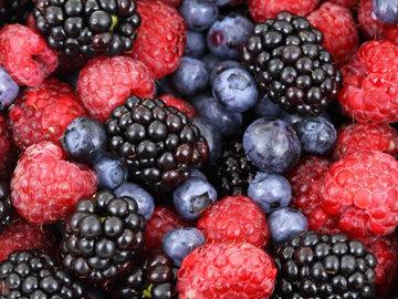 смесь летних ягод