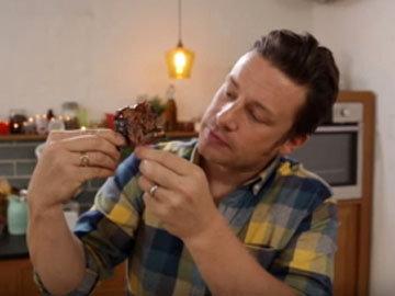 Джейми в восторге, какое нежное и сочное получилось мясо!