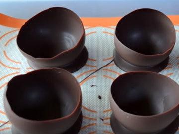 Креманки из шоколада для сорбета готовы