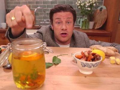 Джейми Оливер готовит вкусный чай