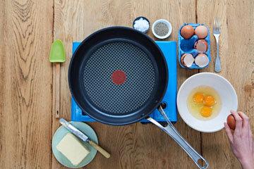 Как сделать идеальную яичницу - шаг 1