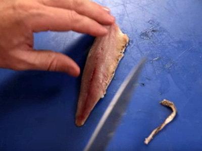 как очистить сардины от костей 6
