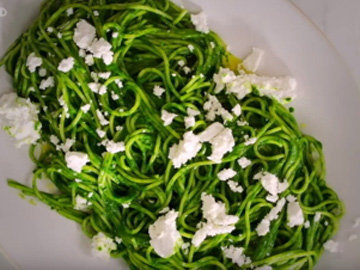 зеленые спагетти