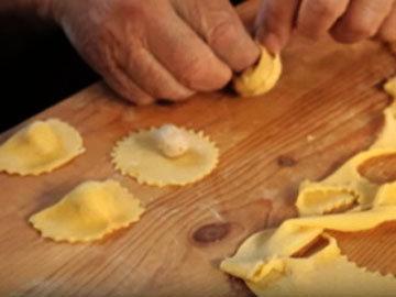 Как готовить домашние тортеллини 3
