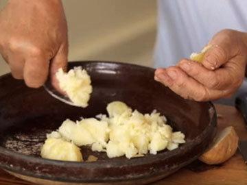 Как готовить ньюкки, покажет в видео Женнаро 4