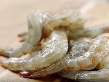 Мастер класс Джейми Оливера Липкие креветки с манго 3