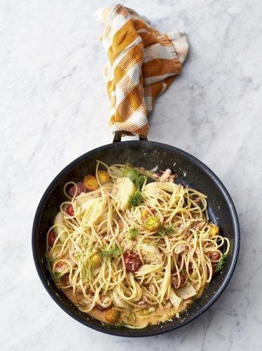 3. Спагетти с крабовым мясом и фенхелем