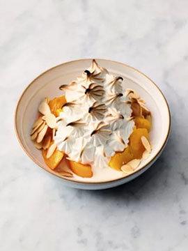 Персик и миндаль - десерт Аляска