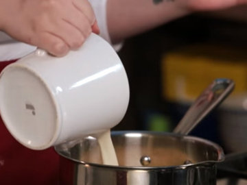 Мастер класс Как приготовить пудинг с карамелью 5