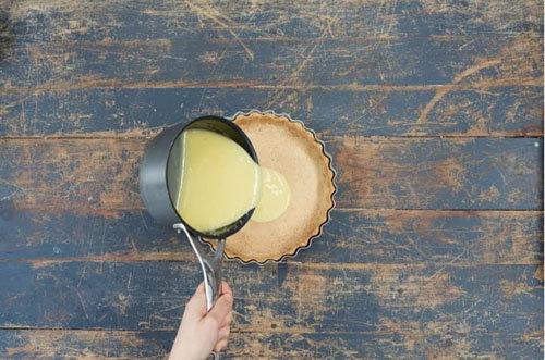 Пирог с лимонным курдом и безе 6