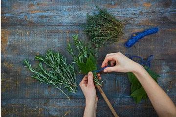 как сделать травяную кисточку 3