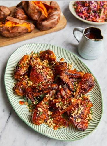 Рецепт запеченной курицы с острым соусом от Тома Уокера
