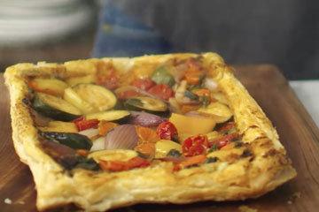 Пицца на слоеном тесте у Джейми