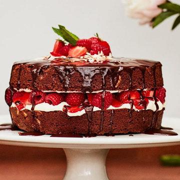 Шоколадный торт к празднику