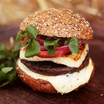 Гамбургер с грибами