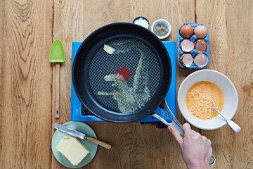Как сделать идеальную яичницу 4