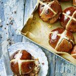 Рецепт крестовых булочек отДжейми