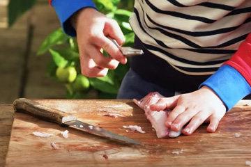 8. найти кости, и используя щипцы, вытащить их