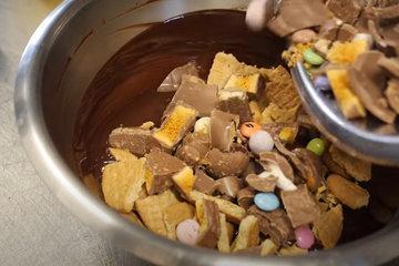 Для шоколадно-бисквитной смеси 2