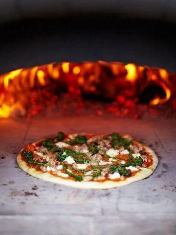 3. Пицца в дровяной печи
