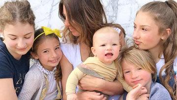 Джейми Оливер осуществил свою мечту о большой семье с пятью детьми