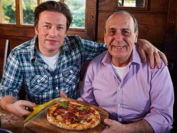 Женнаро Контальдо покажет, как приготовить домашнюю пиццу