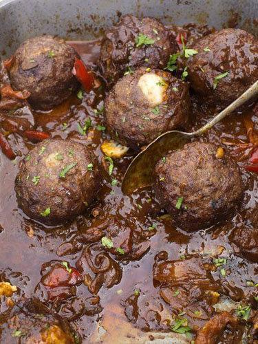 Как приготовить ковбойские фрикадельки в соусе чили